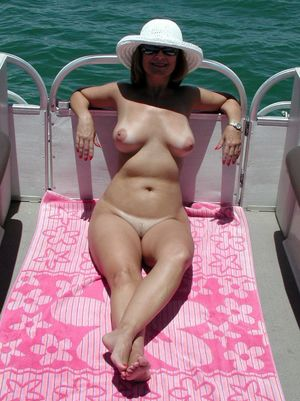 Nude mature mom with..
