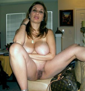 Naked mature women,..