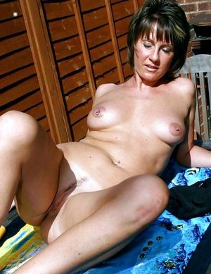 Nude milf gropes her..