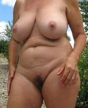 Mature BBW with wide..