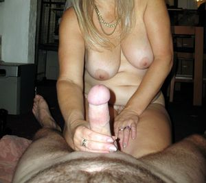 Loving mature wives..